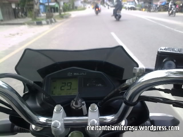 bajaj xcd 125 ketika riding.jpg